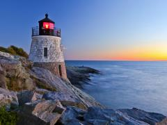 02_Beautiful-lighthouse-by-the-ocean-at-sunset