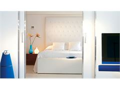 One Bedroom Grand Suite with Frontal Sea View