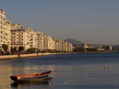 01_White-Tower-and-Thessaloniki-seaside