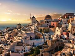 10_Beautiful-evening-dusk-in-Oia-village-Santorini-island-Greece