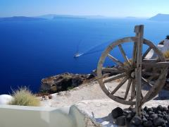 34_Landscape-with-caldera-from-Oia-village,-Santorini