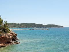 44_Pier-in-the-distance-on-the-clear-sea-water